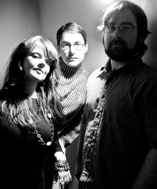 Carmen Townsend (with drummer Thomas Allen and bassist Shane O'Handley) - photo: Bill Potter