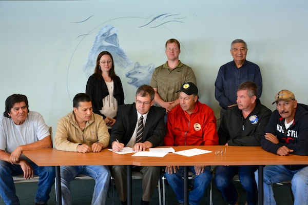UINR and Port Hawkesbury Paper sign agreement