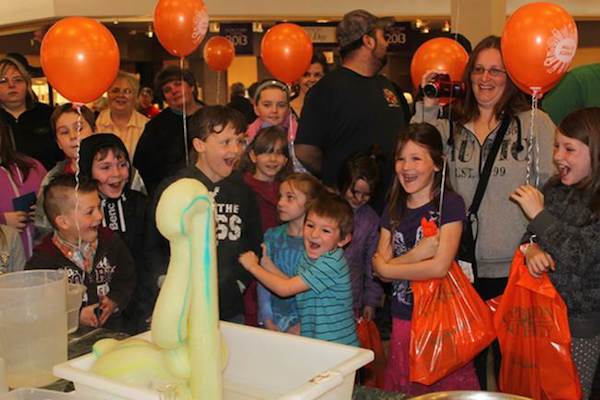 Kids react excitedly to the Chemistry Magic Show during last years CBU Mall of Science at the Mayflower Mall - photo: CBU Mall of Science